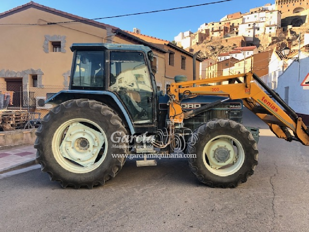 Tractor FORD 7840 PALA TENIAS